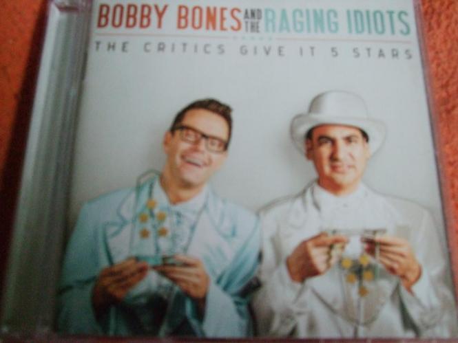 Bobby Bones und Raging Idiots - Critics Give It 5 Stars